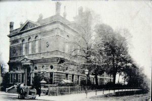 The Hampstead Town Hall in 1904