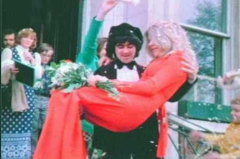 Badfinger – Tom Evans marries Marianne